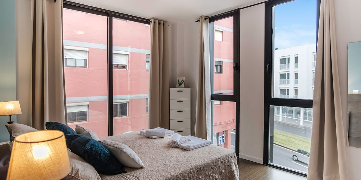 16-Stylish-Chic-City-Apt-La-Laguna