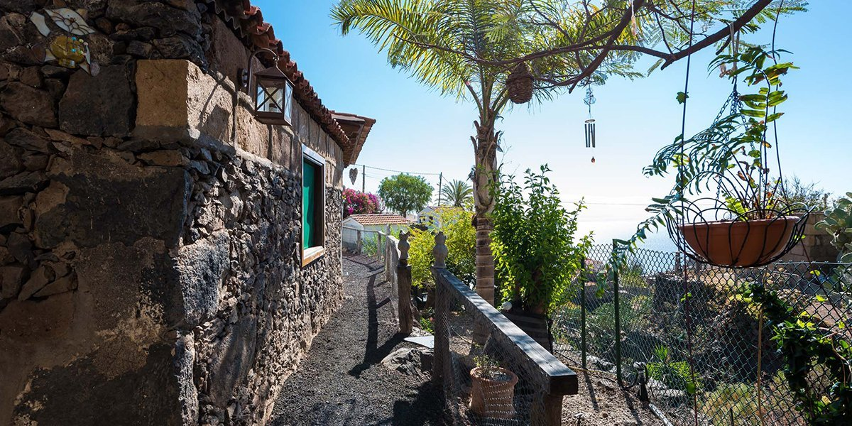 Romantic Cottage in a Beautiful Hamlet_0001_15bVacation rental Tenerife Candelaria