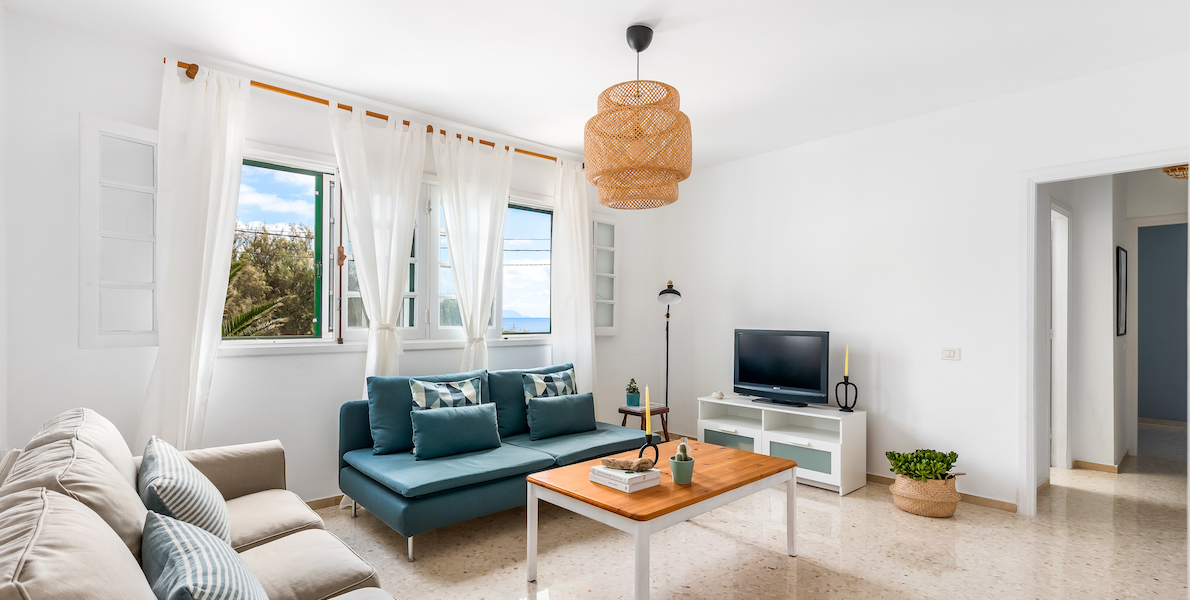 Rooftop Terrace Apartment with Beach Views23