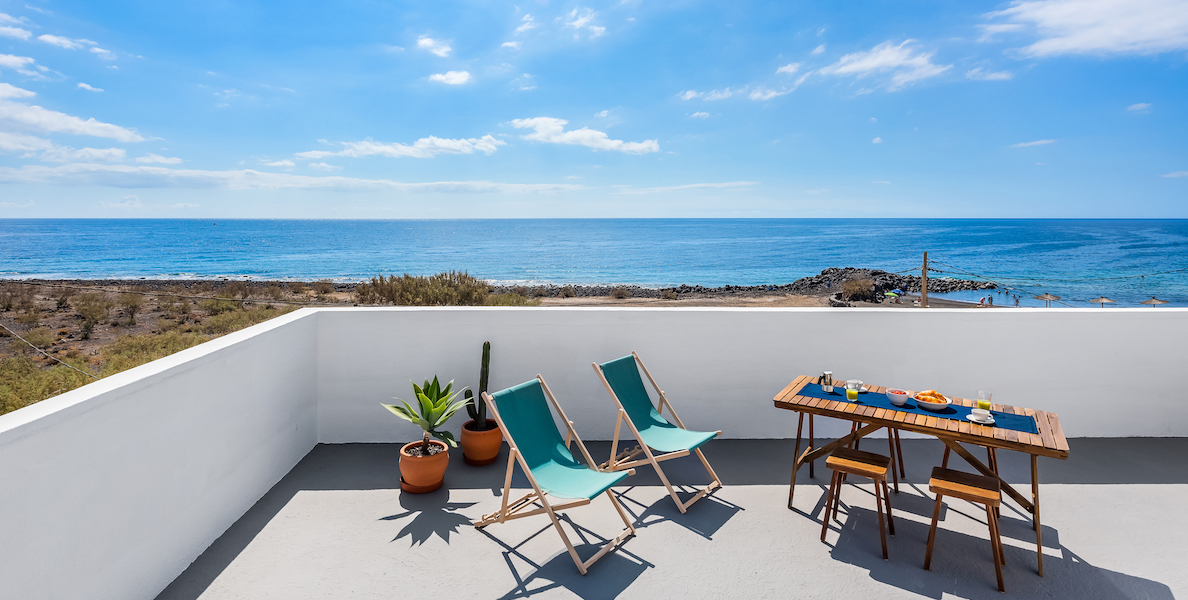 Rooftop Terrace Apartment with Beach Views4