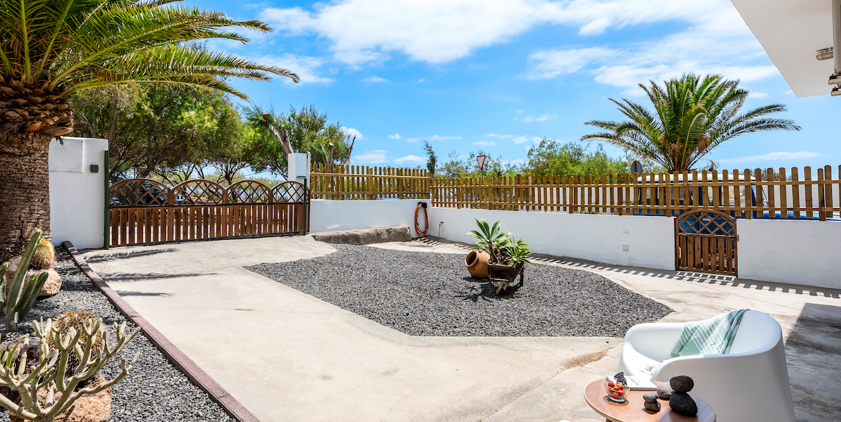 Seabreeze apartment in Tenerife Hamlet with large terrace