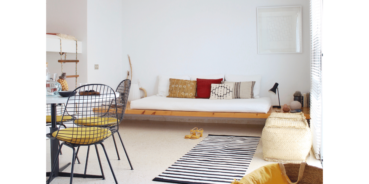 Living room inspired by modernism in the Playa Chica Modernist Hideaway